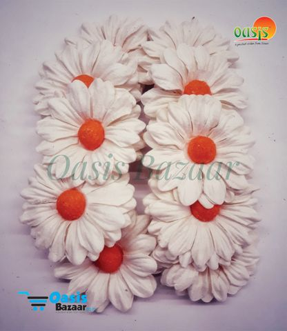 Daisy Sun Flowers Off White with Orange Bead in Color.