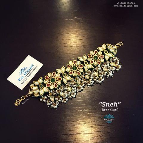 Sneh Bracelet