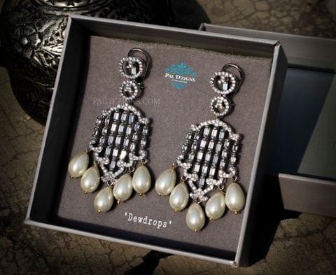 Dew Drops Diamond Earing.