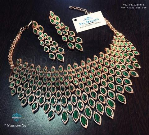 Nooriyaan Diamond Set