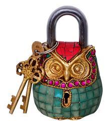 Purpledip Owl Shaped Brass Padlock: Handmade Antique Design With Colorful Gemstone Work (10684)