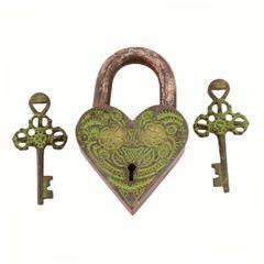 Purpledip Brass Lock In Antique Design: Aching Heart  (11002)