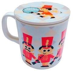 Purpledip Children's Mug With Lid Cover: For Kids In High Quality Plastic Cute Guards and Soldiers (10723e)