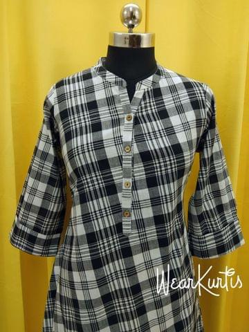 Checked Black Cotton Kurti With open front placket (all buttons can be unbuttoned)(Refer Size chart, 3rd pic before ordering, No Refund, No Return, No exchange, No cancellation), Mandarin Collar, Height 44-45, 3/4 Sleeves with flaps, A Line, two side pockets, Aline
