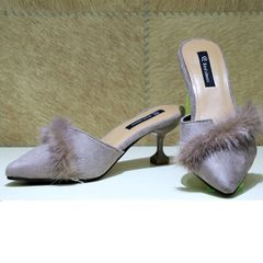 Nude Closed Heel Shoes With Fur