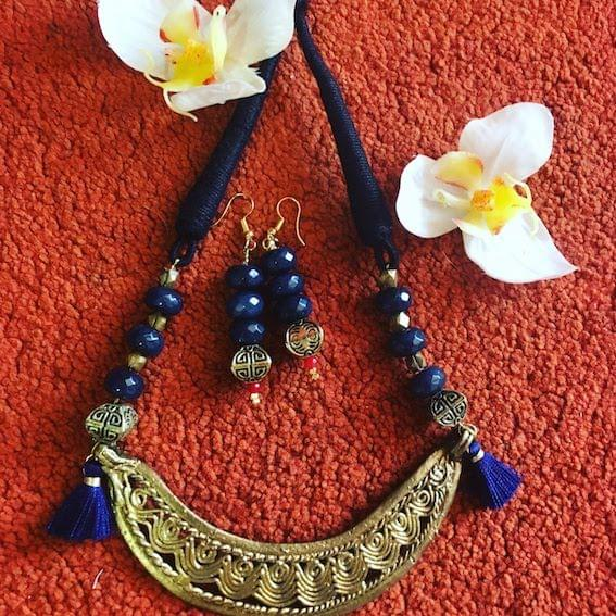 Dhokra Hasli Neckpiece & Earrings