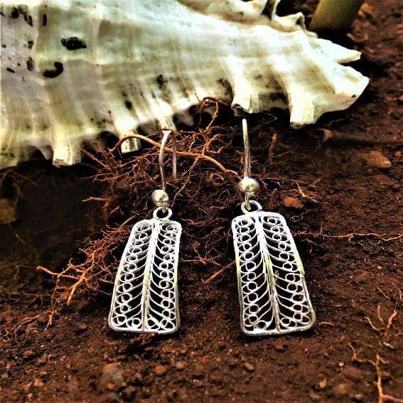 Silver Filigree Sleek Earrings