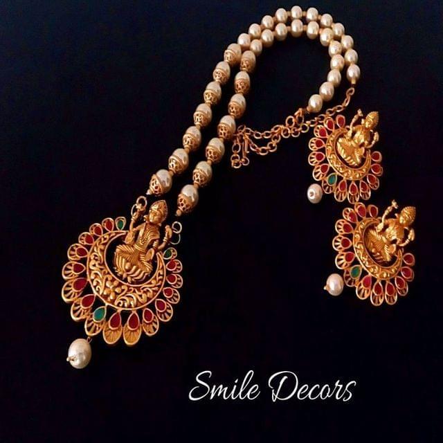Smile Decors Matt Lakshmi Chandbali Jewellery Set