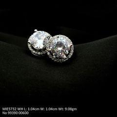 American Diamond Stud with an year warranty
