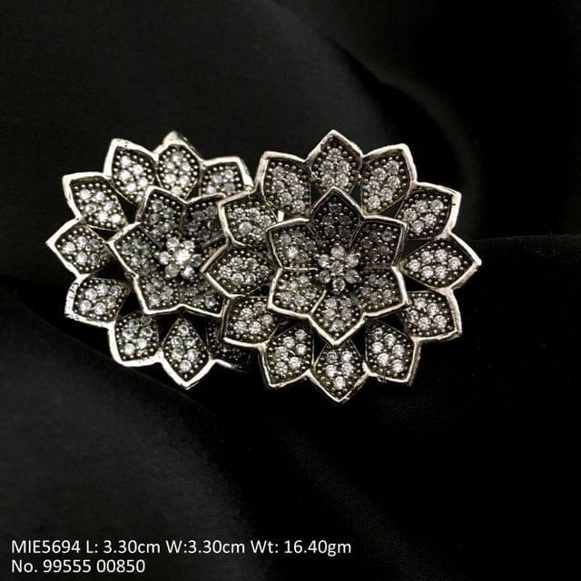 Beautiful American Diamond stud with an year warranty