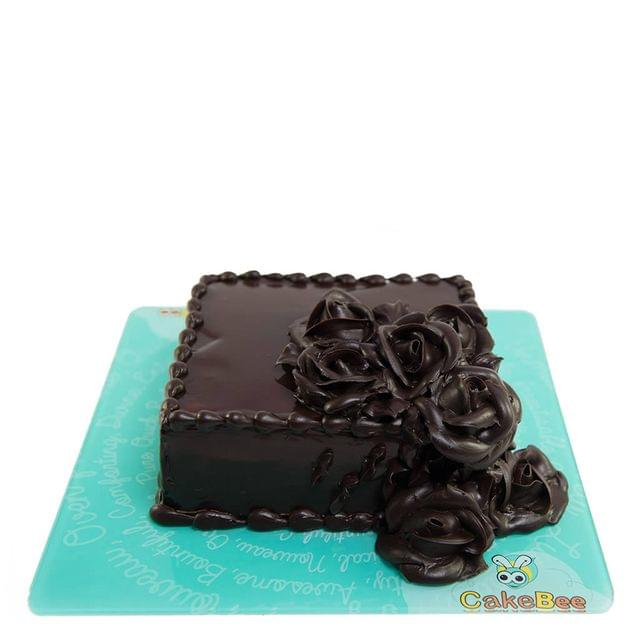 Dark Chocolate Roses Cake