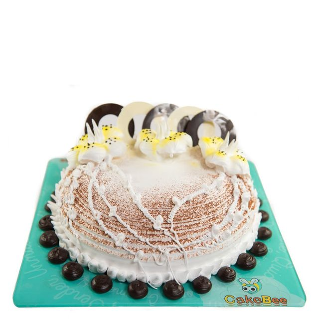 White Flowers Cake