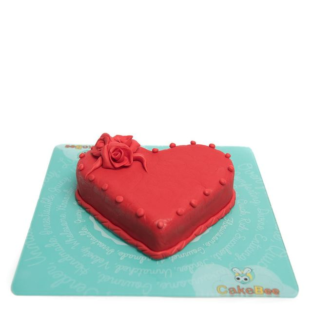 Dazzling Red Roses Fondant