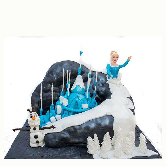 Frozen's Elsa & Olaf Fondant Cake