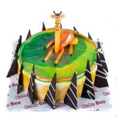 Melman Giraffe Fondant Cake