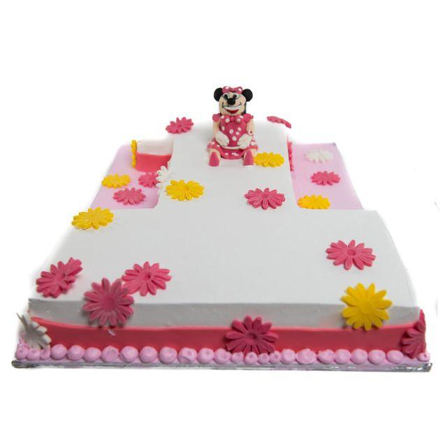 Minnie Mouse Fondant Cake
