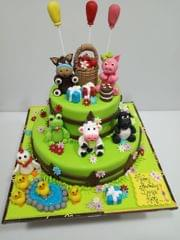 Party With Farm Animals Cake