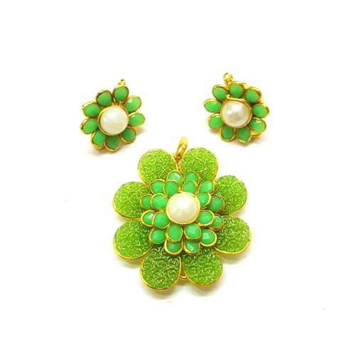 Green Carving Pacchi Pendant, Pendant - 1.5 inches, Earrings - 0.75 inch