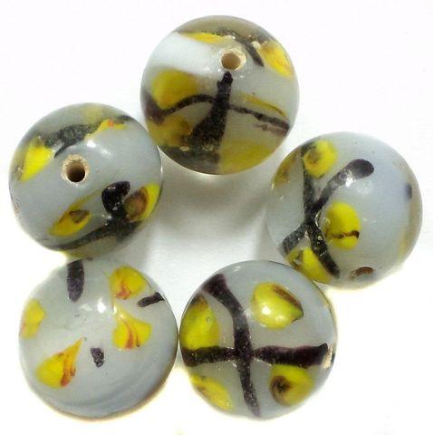 14 Fancy Beads Round Inside Light Gray 14mm