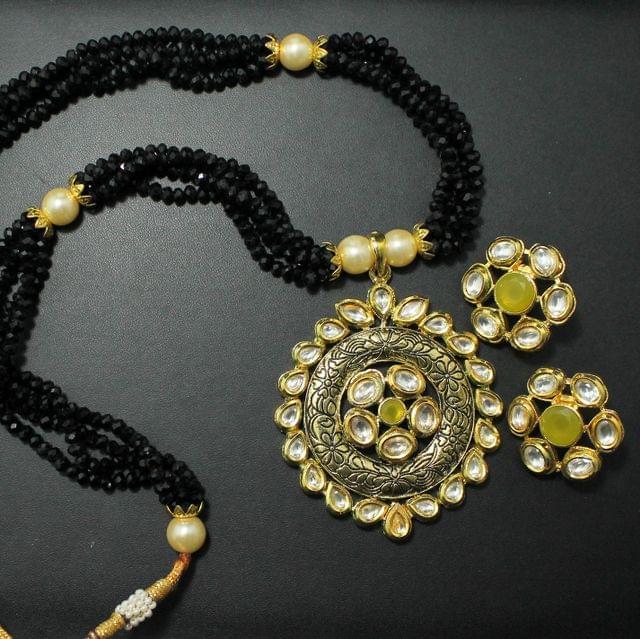 Black Crystal Kundan Set With Earrings