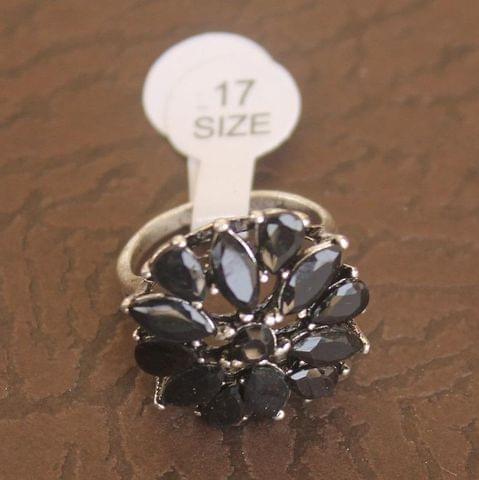 Victorian Finger Ring Black, Size 17