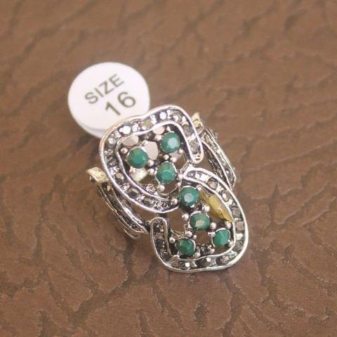Victorian Finger Ring Green, Size 16
