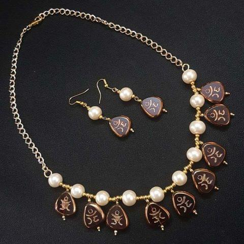 Red Antique Beads With Pearl Necklace Set For Girls / Women
