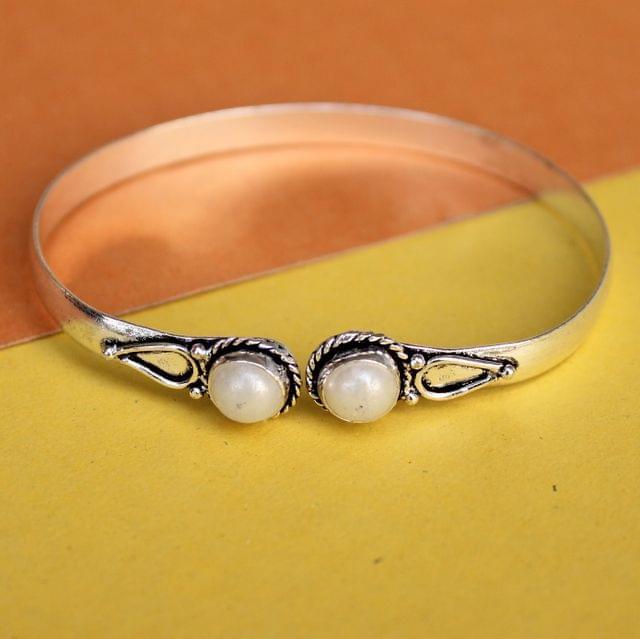 Pearl Stone Bracelet