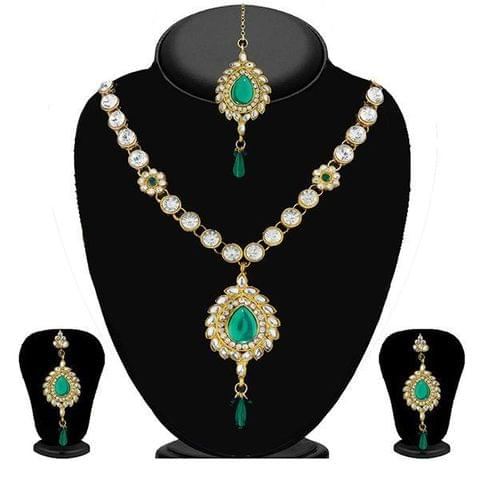 Green Kundan Necklace Set With Maang Tikka