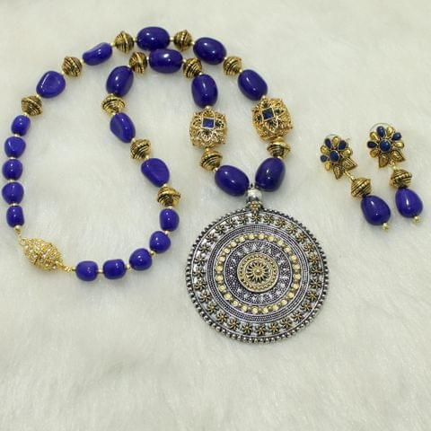 Double Tone Pendant Designer Beaded Blue Necklace Set With Magnetic Clasp