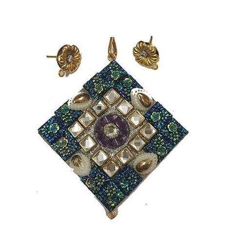 White Blue, Takkar Pendant With Combo Earring