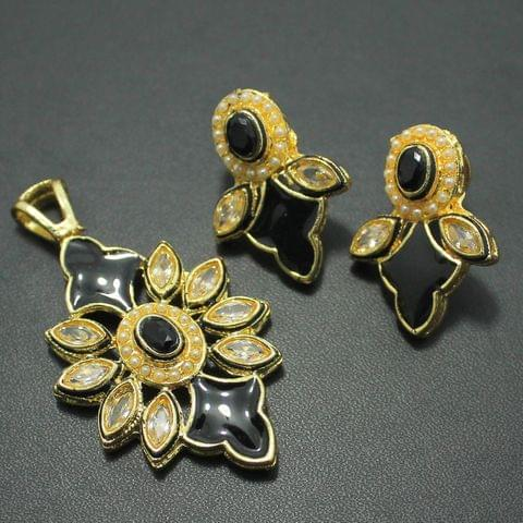 Black Kundan Pendant and Earrings Set, Size-5x3cm