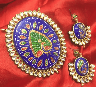 High Quality Kundan Pendant With Meenakari Work Blue Color 4X3.25' Inches 1 Set (Pendant With Earring)