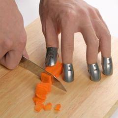 4 PCS / Set Adjustable Stainless Steel Finger Hand Guard Finger Protector Knife Slice Chop Safe Cooking Tools