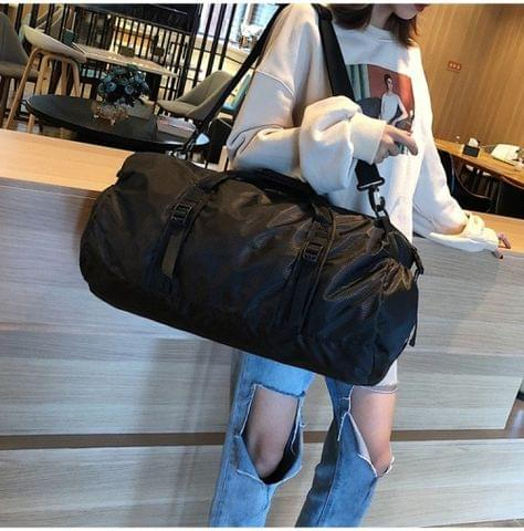 Foldable Nylon Shoulder Travel Bag Leisure Sport Handbag (Black)